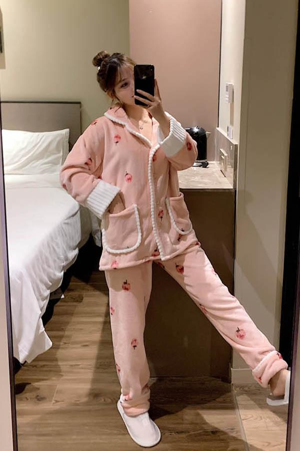 딸기 보송이 파이핑 포켓포인트 손목배색 수면잠옷 여성파자마 (핑크)