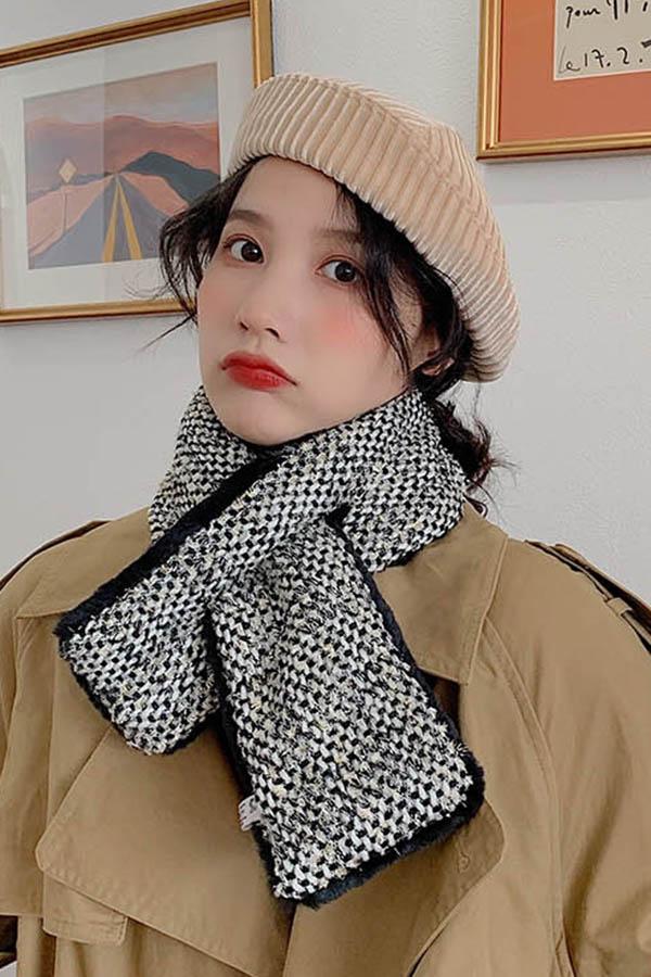 워너비 짜임 양면 에코퍼 여성 쁘띠머플러 (아이보리,블랙)