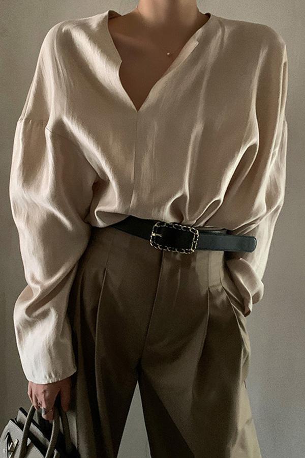 오웬 오버핏 베이직 결혼식하객룩 오피스룩 새틴 브이넥 논카라 셔츠 (샴페인골드)